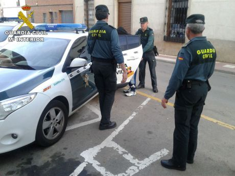La Guardia Civil detiene a una persona por estancia irregular