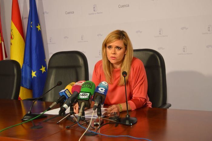 María Ángeles Martínez