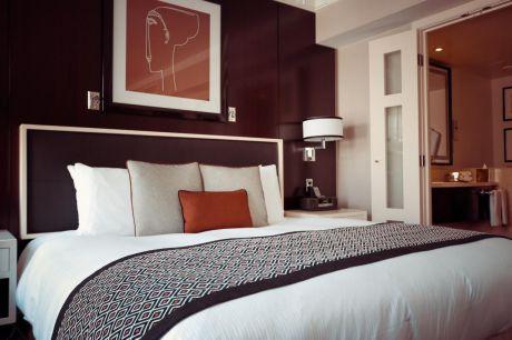 El Ministerio de Sanidad ordena el cierre de los hoteles antes del 26 de marzo