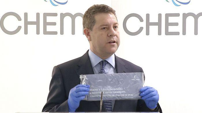 Cada domicilio recibirá un sobre con cinco mascarillas quirúrgicas que enviará la Junta