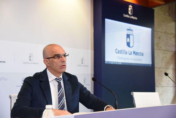 El director general de Salud Pública, Juan Camacho, informa, en la sala de Prensa de la Consejería de Sanidad, sobre la incidencia del contagio por coronavirus en Castilla-La Mancha