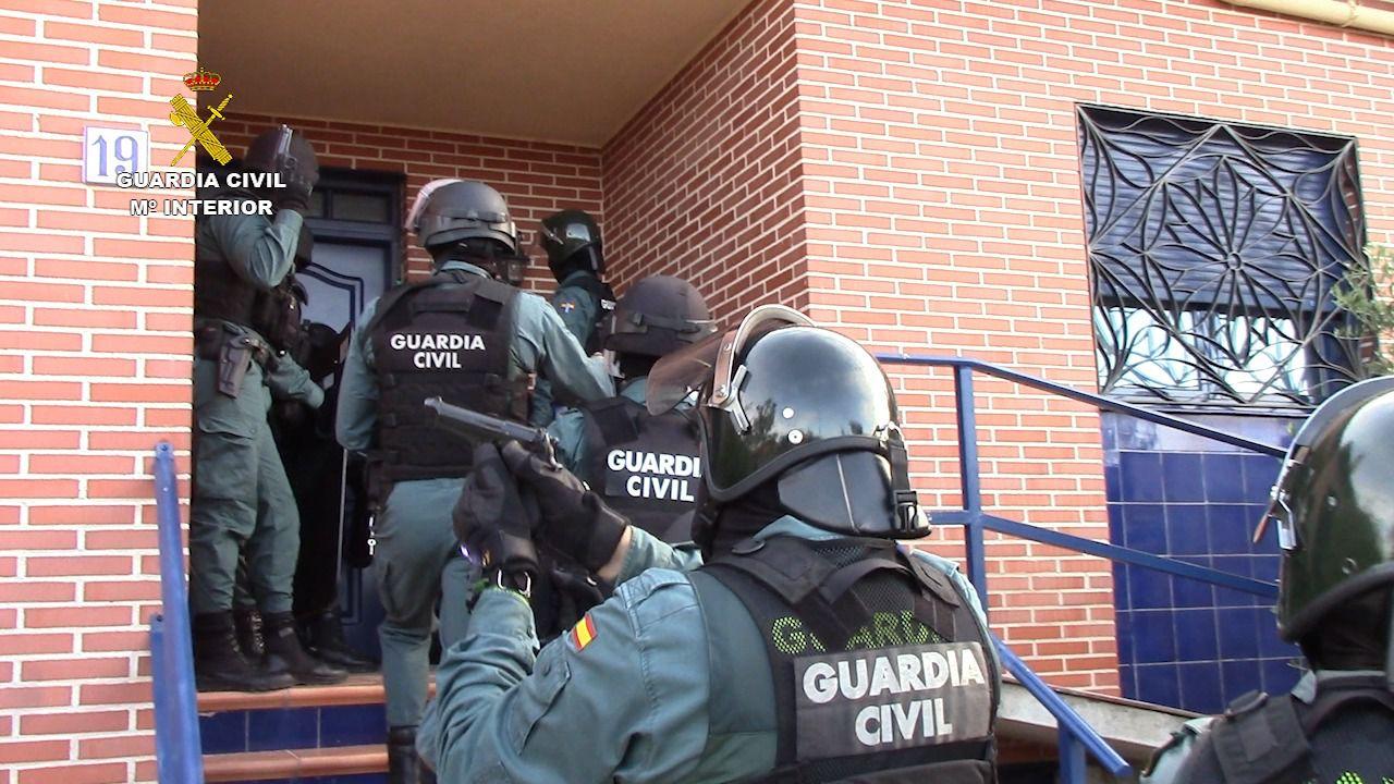 La Guardia Civil ha detenido a dos personas por un delito de cultivo o elaboración de estupefacientes