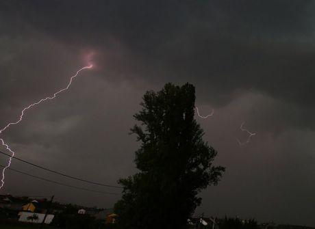 Junio arranca con tormentas y chubascos en la Serranía