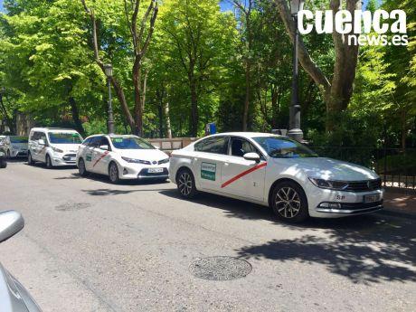 La Asociación de Taxistas considera vital el transporte escolar para el mantenimiento del taxi rural