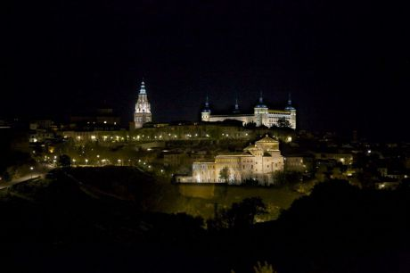 Toledo se suma al Día Mundial de la ELA iluminando de verde sus monumentos más emblemáticos