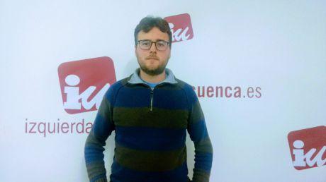 """Izquierda Unida califica el gobierno de PSOE y CnU como de """"año perdido"""" y """"calco exacto de la legislatura del PP""""."""