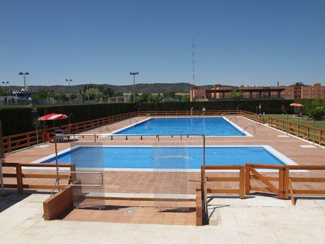 Piscina exterior del complejo deportivo Luis Ocaña