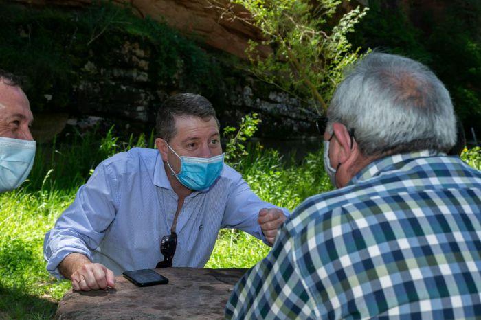 El presidente regional, Emiliano García-Page, visita el Barranco de la Hoz, en el Parque Natural del Alto Tajo