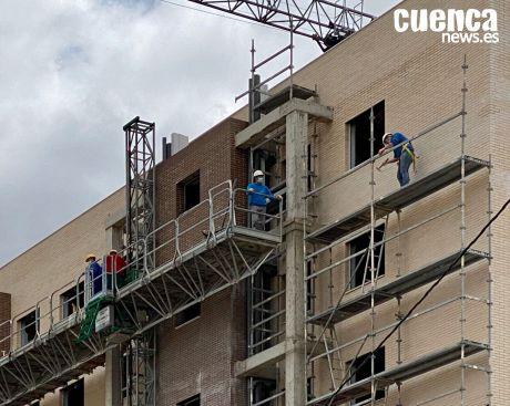 Los empresarios de la construcción avisan de que las compraventas del sector de la vivienda bajan un 25% en los primeros cinco meses de 2020
