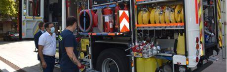 Presentado el nuevo camión de bomberos de la Diputación que ha supuesto una inversión de 610.000 euros