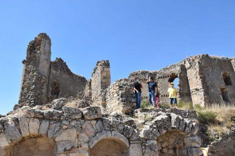 Comienzan las obras de rehabilitación del castillo de Puebla de Almenara con un presupuesto de 140.000 euros