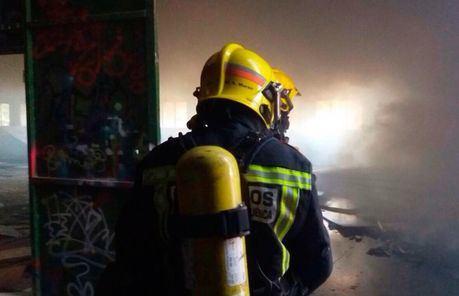 Dos afectados por inhalación de humo en un incendio en Arcas
