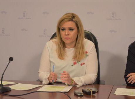 Martínez lamenta que la alcaldesa de Ledaña no diga la verdad a sus vecinos hablando de recortes cuando se trata de una redistribución del trabajo en la Zona de Salud de Iniesta