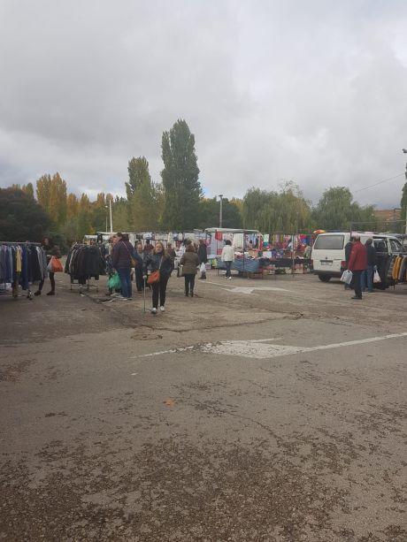 Los vendedores ambulantes piden a Sanidad criterios de aforo, no de puestos