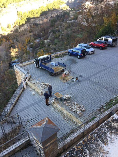 Solicitan información sobre el supuesto parking que está construyendo el Obispado en un mirador del Júcar