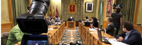 El Pleno aprueba la modificación de crédito necesaria para destinar cerca de 1,2 millones a las personas más vulnerables en la crisis de la Covid-1