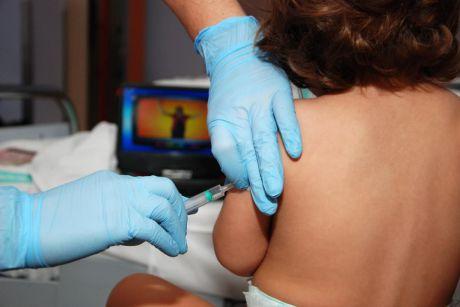 Administradas 12.380 vacunas en la región, el 34,8 % de las entregadas a la región