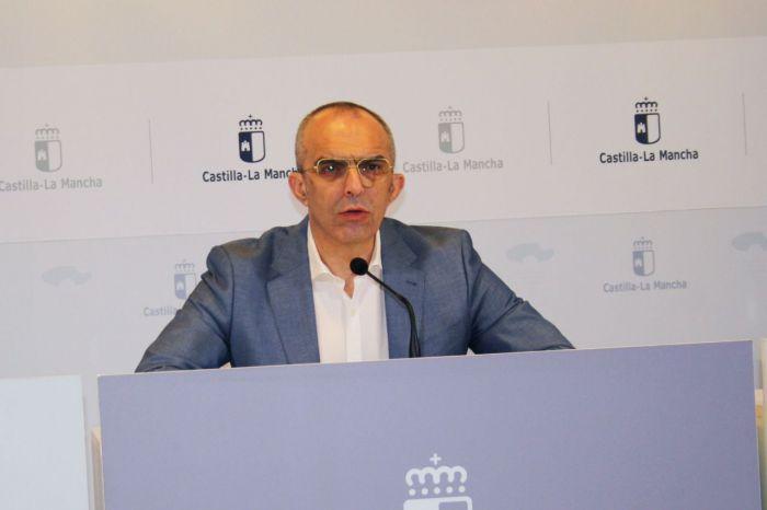 El director general de Salud Pública, Juan Camacho, informa, en la sala de Prensa de la Consejería de Sanidad, sobre la incidencia del contagio por coronavirus en Castilla-La Mancha.