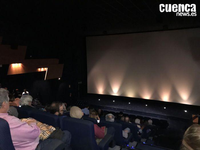 La consejera de Cultura dice que Sanidad es quien tendrá que fijar cuando reabren teatros y cines