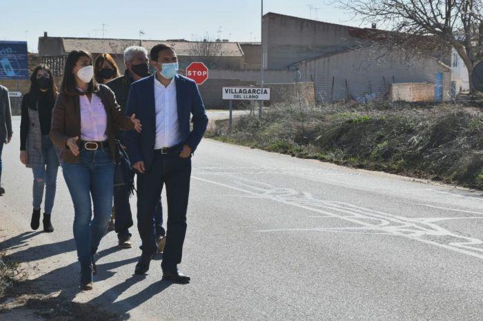 Se ampliara y se mejorara la CUV-8111 que une Villagarcía del Llano y Quintanar del Rey
