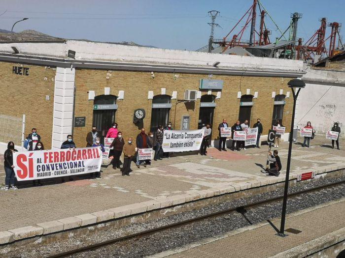 """""""Pueblos con el tren"""" califica de 'históricos' los actos de este sábado en defensa del ferrocarril convencional"""