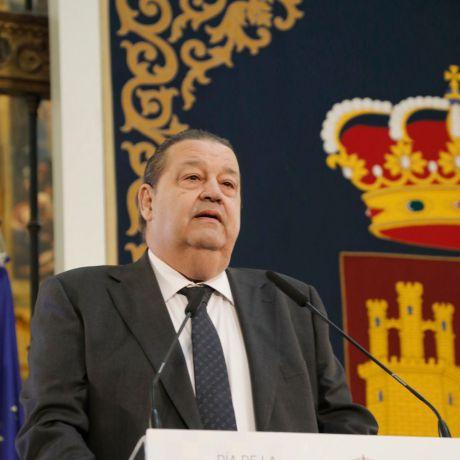 Fallece el expresidente de las Cortes regionales, Jesús Fernández Vaquero
