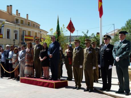 Emotivo homenaje en Castejón a la Bandera de España y de recuerdo al Brigada Francisco de Alarcón Garcia