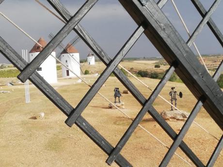 Diego Muñoz inaugura exposición en el Museo 'Austión Tirado'