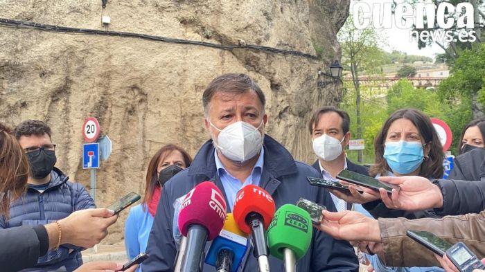 Dolz anuncia el cierre perimetral de la zona afectada por el derribo del muro