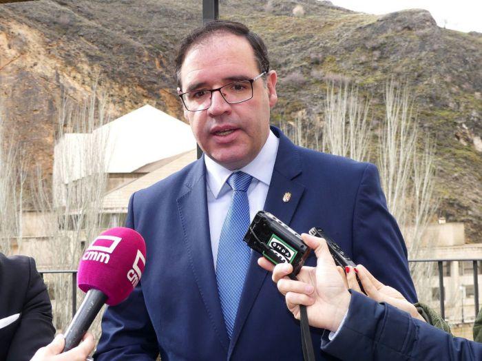 Prieto reúne más de 900 avales para su candidatura a presidir el PP