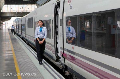 Usuarios del AVE de toda España piden a Renfe que mantenga la ampliación de los abonos Avant