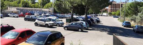 """Consideran """"humillante"""" la sentencia que obliga a reducir el aparcamiento gratuito en el Serranía"""