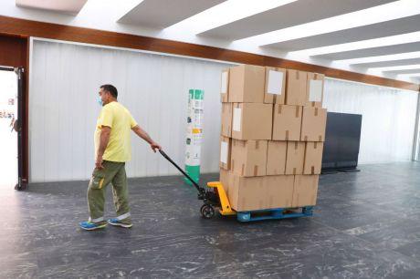 Sanidad ha enviado esta semana más de 224.000 artículos de protección a los centros sanitarios