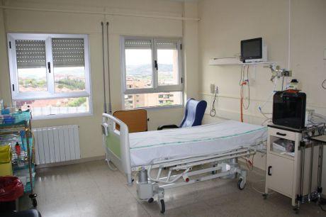 Se reducen los nuevos casos y sigue bajando el número de pacientes con COVID-19 hospitalizados en cama convencional en Castilla-La Mancha