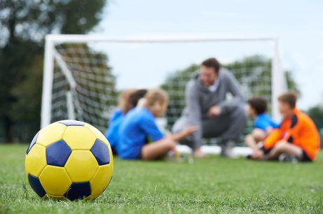 El PP afirma que los contratos de las Escuelas Deportivas Municipales llevan dos años de forma irregular