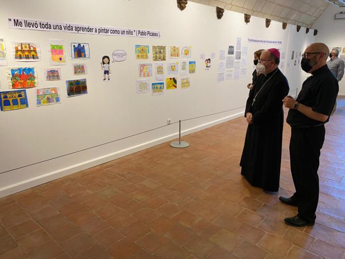 Inaugurada la exposición #Yomequedoencasa en la Catedral