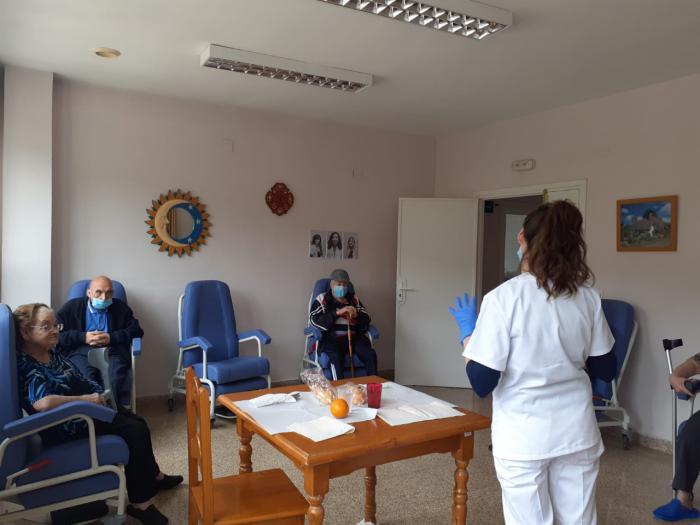 Los usuarios de la Residencia Provincial realizarán actividades de estimulación en grupos reducidos durante el confinamiento