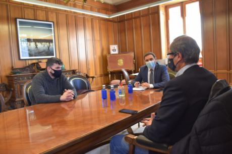 Martínez Chana se reúne con patronal, hostelería y sindicatos para sentar las bases del plan de choque ante el Covid