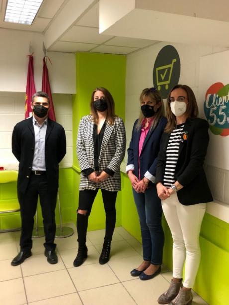 La Asociación de Mujeres Empresarias y Carrefour estudiarán futuras colaboraciones