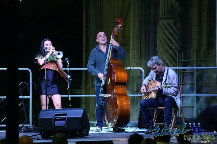 Poliédrico recital de Andrea Motis, brisa de Copacabana para una calurosa noche conquense