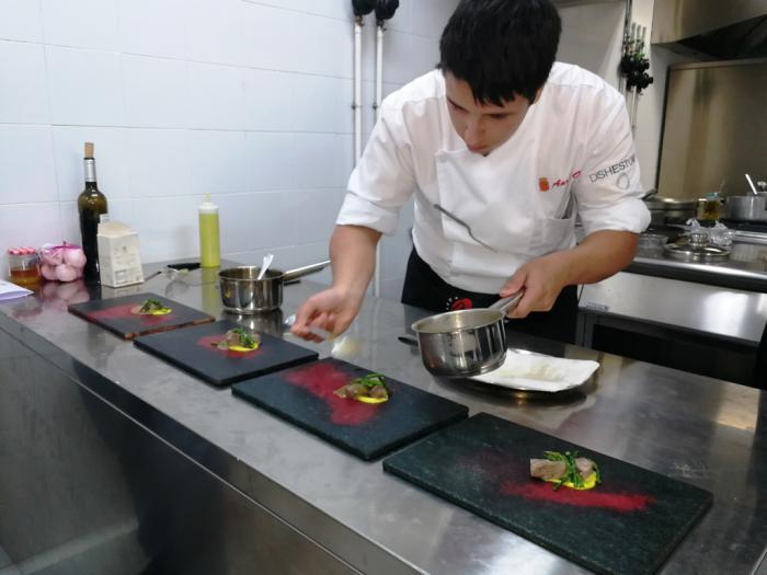 """Aarón Ortiz García gana el II concurso de gastronomía para cocineros profesionales """"Cuenca Abstracta"""""""