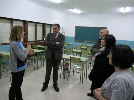 El Ayuntamiento colabora en una actividad educativa del IES Hervás para concienciar de que las aulas son de todos