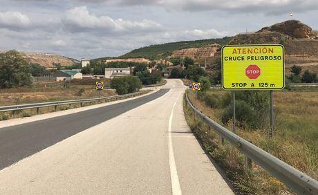Se invierte más de 10.000 euros en mejorar el cruce entre la CM-310 y la N-320 en Cañaveras