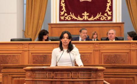 Alonso recuerda a Page que aún hay miles de alumnos en Castilla-La Mancha sin docentes y sin recibir clase