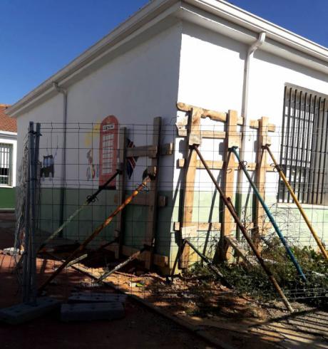 Denuncian el estado de abandono del Colegio de Fuente de Pedro Naharro
