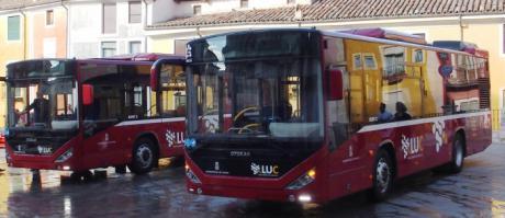El Ayuntamiento afirma que las frecuencias del autobús urbano se han mejorado respecto a lo estipulado en el contrato