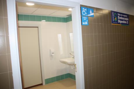 La Gerencia del Área Integrada de Cuenca avanza en la accesibilidad con el acondicionamiento de un nuevo aseo adaptado en el Hospital