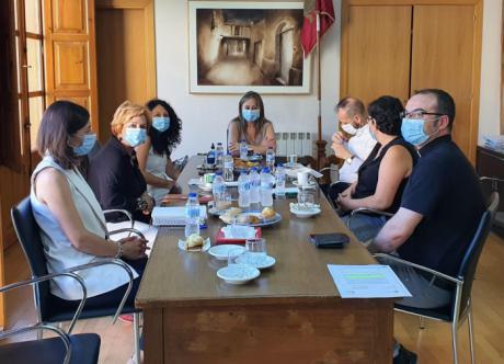 La Junta destaca el papel de los profesionales de servicios sociales de San Clemente durante la crisis sanitaria