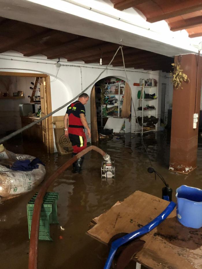 El servicio de Bomberos de Diputación ha intervenido a causa de las fuertes lluvias caídas en la Manchuela