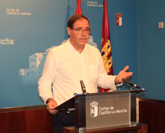 Prieto aboga por una regularización de la normativa existente para frenar la despoblación y favorecer el emprendimiento en el mundo rural